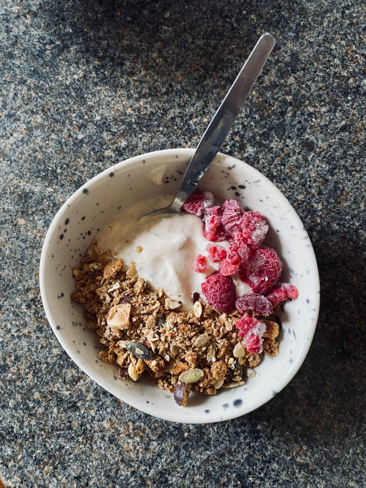Easy Granola – The Only Recipe You'll Ever Need